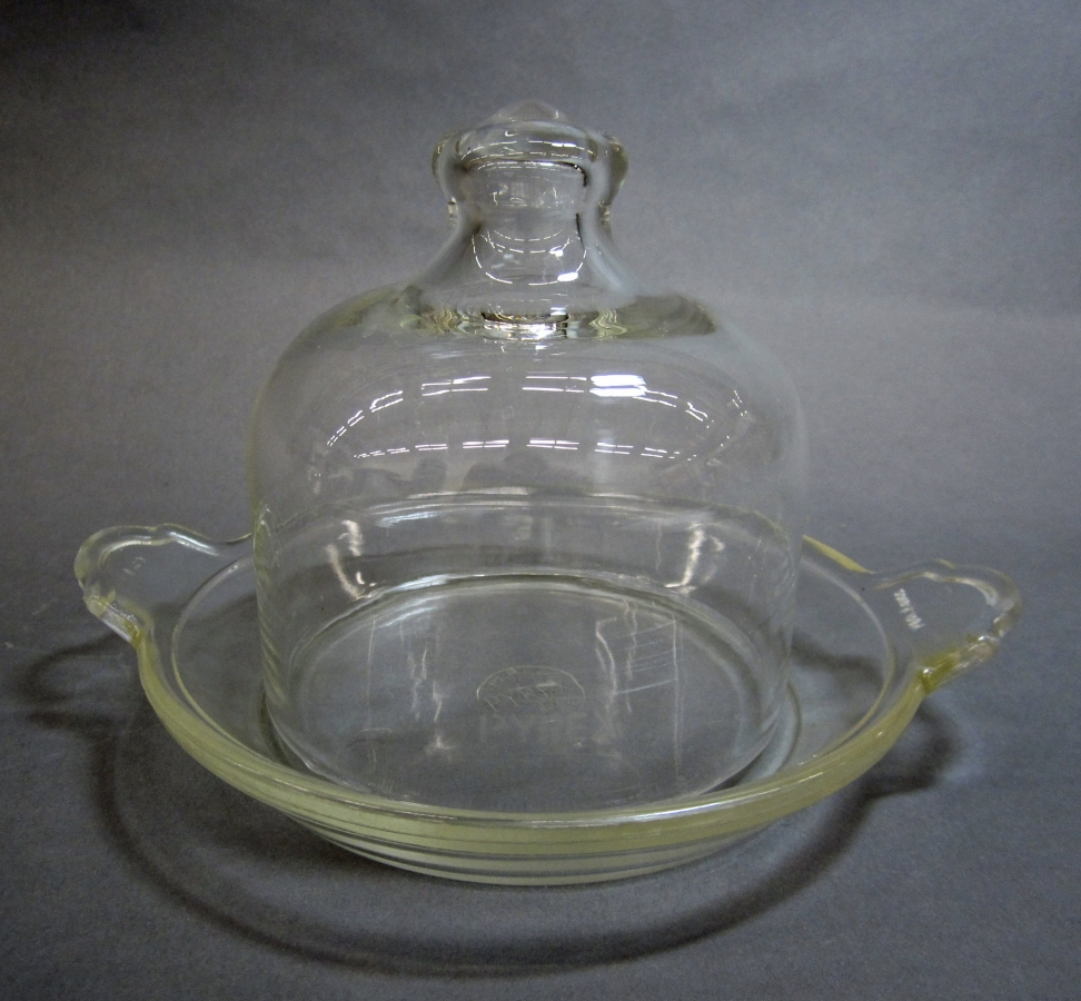 Pyrex Mushroom Dish with Bell Cover
