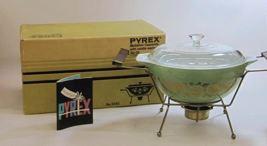 """Pyrex """"Medallion"""" 2-1/2 Quart Casserole with Candle Warmer in Original Box"""