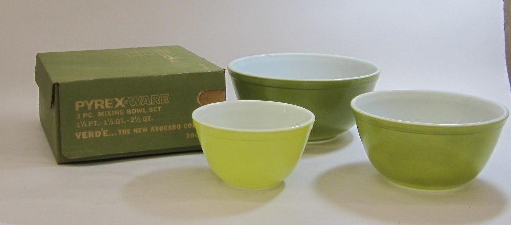 "Pyrex Ware ""Verde"" Mixing Bowl Set in Original Box"