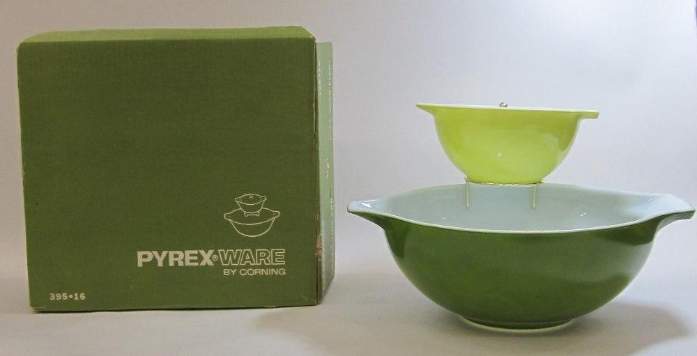 "Pyrex Ware ""Verde"" Chip n' Dip Set in Original Box"