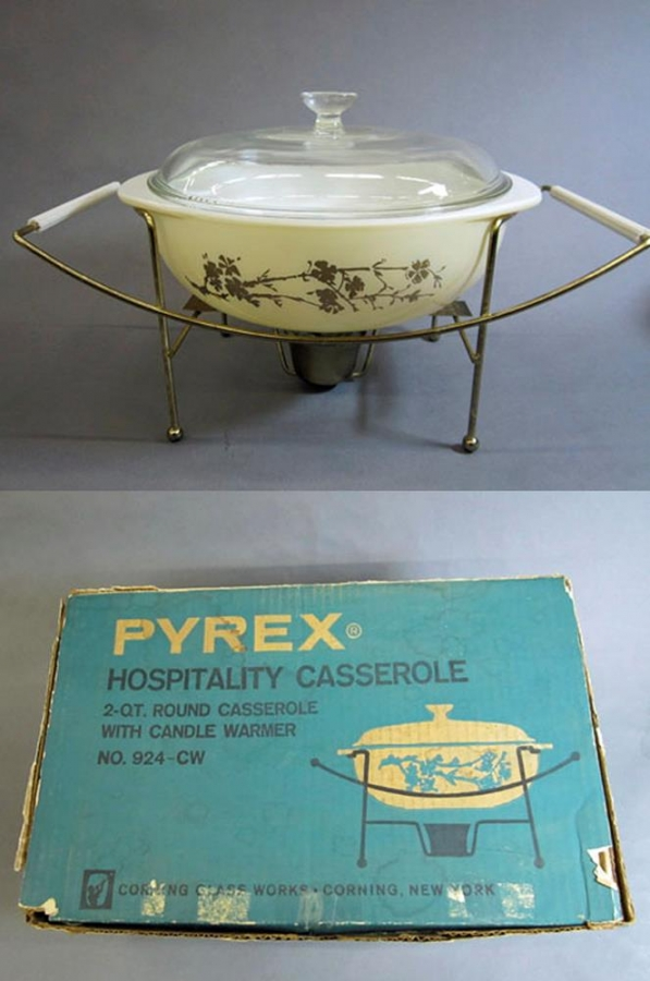 "Pyrex ""Golden Branch"" 2 Quart Hospitality Collection Casserole with Box"