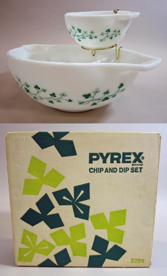 "Pyrex ""Ivy"" Chip and Dip with Original Package"
