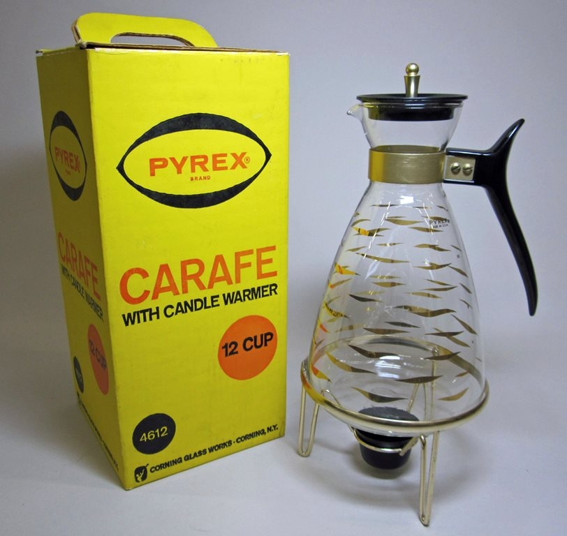 Pyrex 12 Cup Carafe with Candle Warmer