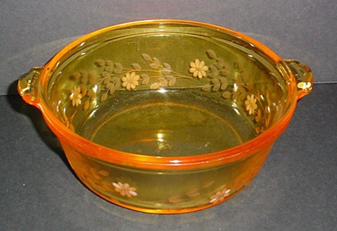 Engraved Pyrex Gold Tint Casserole (Round)