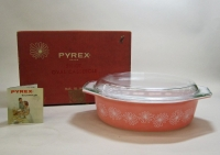 "Pyrex ""Pink Daisy"" 2-1/2 Quart Casserole with Lid in Original Box"