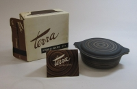 "Pyrex ""Terra"" 1 Pint Casserole with Lid in Original Box"