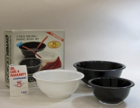 Pyrex Black & White 3-Piece Mixing/Serving Bowl Set in Original Box