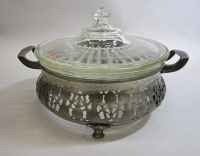 Pyrex Casserole with Lid and Mounter